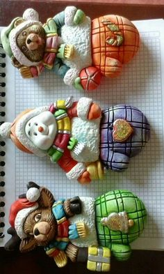 Clay Projects, Clay Crafts, Arts And Crafts, Polymer Clay Ornaments, Polymer Clay Art, Ceramic Bisque, Porcelain Clay, Cold Porcelain, Christmas Art