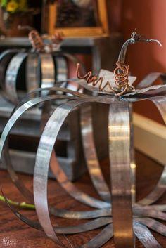 Aardewerk Barn Knockoff Metal Pumpkins -DIY Fall Decor- The Navage Patch, Metal Pumpkins, Fall Pumpkins, Halloween Pumpkins, Wedding Pumpkins, Glitter Pumpkins, Halloween Pillows, Fabric Pumpkins, Metal Projects, Metal Crafts