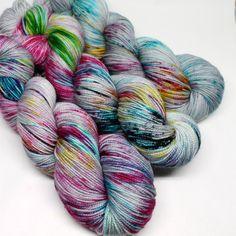 Die Hand gefärbte gesprenkelten Socke Garn SW von SpunRightRound