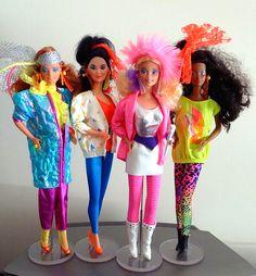 Afbeelding van http://www.collectorsweekly.com/articles/wp-content/uploads/2014/06/jem_barbie_rockers.jpg.