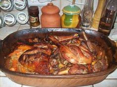 RÓMAI TÁLBAN KÉSZÜLT ÉTELEK - Egyszerűen, gyorsan, jót! Little Kitchen, Meat Recipes, Pork, Food And Drink, Chicken, Health, Dios, Hungarian Recipes, Kale Stir Fry