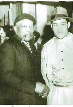 Heavyweight boxing champions, Jack Johnson and Joe Louis. Joe Louis, Jack Johnson Boxer, Joe Johnson, Dodgers, Professional Boxing, Heavyweight Boxing, Boxing History, Champions Of The World, Vintage Black Glamour