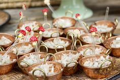 Festa infantil com tema picnic reúne decoração colorida, comidas caseiras e tradicionais. Festinha comemorou os dois anos da Helena