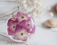 Daisy resin pendant real pressed flower by FloralJoyJewelry