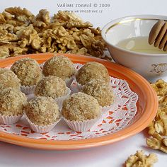 orechove-kulicky-s-medem Cereal, Deserts, Muffin, Breakfast, Cookies, Food, Morning Coffee, Crack Crackers, Biscuits