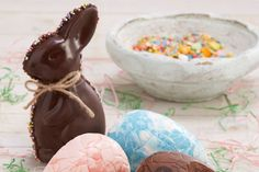 How to Make a Chocolate Easter Bunny #easter #bunny #baking #chocolate