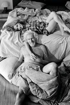 ¿Qué os parece si cambiamos este tabú al hablar de pasión en gente mayor? Súmate al cambio... ¡quitémonos complejos! #parejaapasionada Tabu, Crossed Fingers, Love, Couple Photos, My Style, Couples, Wedding Dresses, Crib, Images