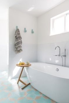 Spa-Like Qualities - Easy Ways To Achieve A Laid-Back Luxe Style - Photos