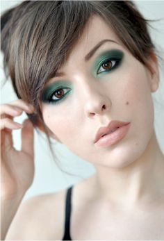 Smokey green eye makeup