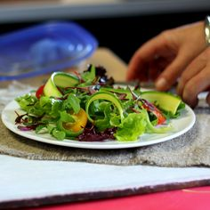 Sam Linsell styling a simple salad - pic from Jesska.co.za South African Recipes, Ethnic Recipes, Easy Salads, Seaweed Salad, Meals For One, Wine Recipes, Simple, Food, Eten