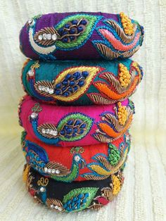 Silk Thread Bangles, Thread Jewellery, Pakistani Jewelry, Indian Jewelry, Beads Clothes, Bridal Bangles, Terracotta Jewellery, Bohemian Accessories, Jewelry Patterns