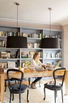 Find the best idea to make a home office for two. Sharing a home office sounds like a good idea at first glance. It saves in the works large quantity of heavens and otherwise of having to create two stand-in rooms. - July 27 2019 at Home Office Space, Home Office Furniture, Home Office Decor, Office Ideas, Office Decorations, Office Setup, Office Table, Ikea Furniture, Furniture Ideas