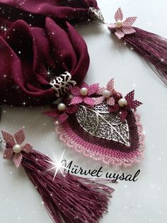 This Pin was discovered by Zey Scarf Jewelry, Needle Lace, Diy And Crafts, Brooch, Beads, Earrings, Model, Design, Long Scarf