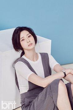 Hello Venus Member Nara Poses for International bnt | Koogle TV