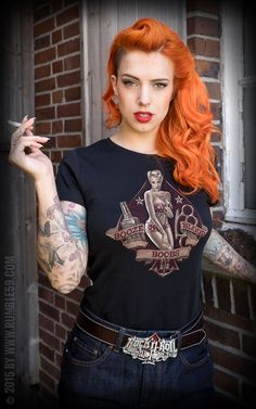 - Boobs - Booze - Blood - Damen T-Shirt - Rockabilly - Looks Rockabilly, Mode Rockabilly, Rockabilly Fashion, Retro Fashion, Vintage Fashion, Smoking Ladies, Girl Smoking, Estilo Pin Up Retro, Moda Pinup