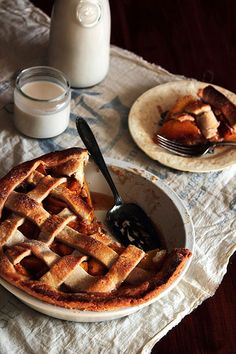vanilla cardamom peach pie from bustle com more cakes pies bean ...