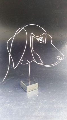 Dog on small block Metal Projects, Welding Projects, Wire Crafts, Metal Crafts, Sculptures Sur Fil, Art Fil, Copper Wire Art, Wire Art Sculpture, Bijoux Fil Aluminium