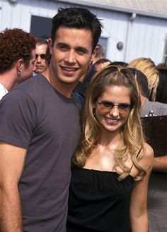 Freddie Prinze Jr. and Sarah Michelle Gellar, 2000