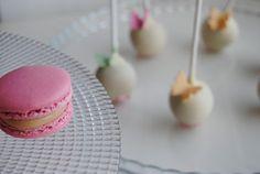 Macaron http://3gufettisulcomo.blogspot.it/2016/06/sweet-table-per-una-prima-Comunione.html