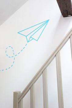 Mon petit chez moi réalisé avec les masking tape de chez My sweet masking tape. Décoration murale d'intérieur avion masking tape.