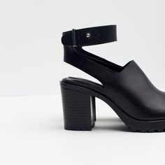 Image 3 of LEATHER SANDALS WITH TRACK SOLE from Zara