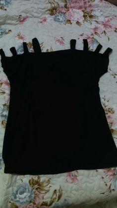 Blusa preta tirinhas