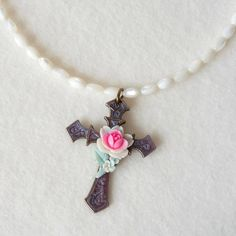 Cross Pendant Necklace Vintage Mother of Pearl Beads Flower