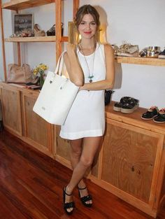 marcela kloosterboer estilo - Buscar con Google Victoria Justice, Baddies, White Dress, Girly, Celebrities, Sexy, Google, Tips, Outfits