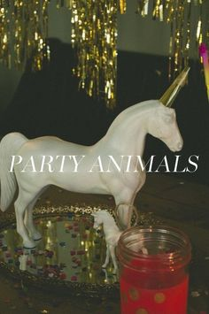 New Years party decor Animal Party, Party Animals, New Year Celebration, Unicorn Birthday Parties, New Years Party, Diy Party Decorations, Lets Celebrate, Event Decor, Party Planning