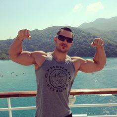 #biceps