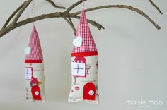 Xmas Houses by Maisiemoo - felt.co.nz