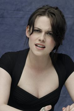 "Pin for Later: Yes, Kristen Stewart Can Make More Than 1 Face The ""Wait, Seriously?"""