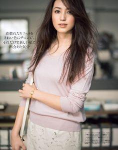 #anecan #fashion #有村実樹 #ニット #Vネック