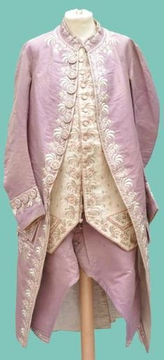 The wearer of this suit certainly wasn't afraid of pastel colors. French suit, dating to 1780. Satin, silk and linen.