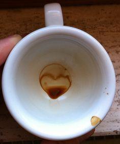 Sabías que en Turquía poseen un intenso sentido del destino y una muestra de ello es la lectura de los posos del café.