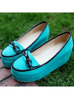 Suede Round Toe with Bow Turquoise Platforms