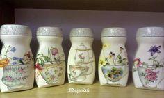 Decoupage Jars, Decoupage Wood, Napkin Decoupage, Coffee Jar Crafts, Coffee Jars, Glass Bottle Crafts, Bottle Art, Bottles And Jars, Glass Jars