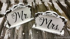 MR and MRS SIGNS | Wedding Signs for Table | Sweetheart Table | Free Standing | Shabby Chic Wedding Signs | Wedding Decorations | Set of 2