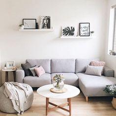 85 Modern Minimalist Living Room Decor Ideas A minimal li. 85 Modern Minimalist Living Room Decor Ideas A minimal living room is an abs Minimalist Sofa, Modern Minimalist Living Room, Living Room Modern, Small Living, Minimal Living, Modern Couch, Minimalist Decor, Simple Living Room Decor, Modern Bedrooms