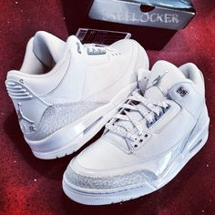 "#SkeeLocker 146/365: Air Jordan III ""Pure"" white from '07. Prefect to kick off the summer w/a fresh pair on Memorial Weekend"