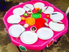 Paining with fruits and vegetables, perfect for talking about smells and colour! Nursery, preschool activities to help promote children's development. Arts and crafts. Olivers Vegetables, Farmer Duck, Organizational Design, Tuff Spot, Continuous Provision, Tuff Tray, Messy Play, Eyfs, Child Development