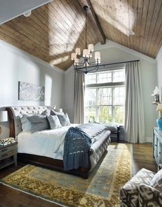 Modern farmhouse style combines the traditional with the new makes any space super cozy. Discover best rustic farmhouse bedroom decor ideas and design tips. Vaulted Ceiling Bedroom, Chandelier Bedroom, Vaulted Ceilings, Bedroom Lighting, Ceiling Windows, Ceiling Plan, Farmhouse Chandelier, Bedside Lighting, Wood Windows