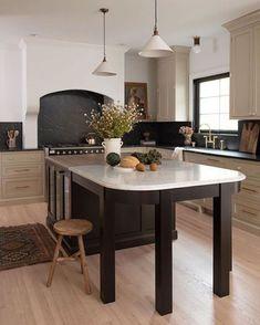 Kitchen Tiles, Kitchen Inspirations, Gorgeous Kitchens, New Kitchen, Kitchen Interior, Home Kitchens, Kitchen Remodel, Kitchen Renovation, Kitchen Transformation
