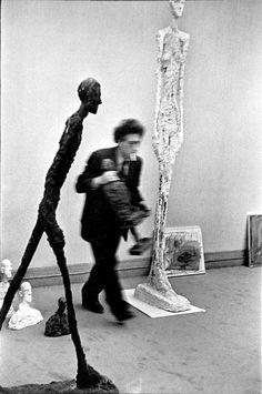 Giacometti por Cartier-Bresson. Dois mestres. Um deles em exposição na Pinacoteca de São Paulo, imperdível.