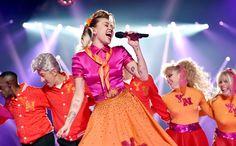 マイリー・サイラス etc.も登場! MTVビデオ・ミュージック・アワードのパフォーマンスをいち早くチェック。|ニュース|VOGUE JAPAN #VMAs  @voguejpさんから