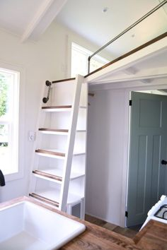 Merveilleux 28ft Seabrook Tiny House With Downstairs Murphy Bed