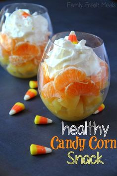Love this healthy candy corn snack! Pineapple, orange slices, and whipped… Instead of letting the girls eat a TON of candy corn, I make this fun and healthy Halloween snack Candy Corn Fruit Cocktail. The perfect Halloween Treat! Recetas Halloween, Healthy Halloween Snacks, Healthy Snacks, Healthy Candy, Halloween Fruit, Halloween Ideas, Halloween Dinner, Halloween Goodies, Halloween Desserts