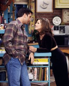 The actress had many style moments playing Rachel Green on Friends and to celebrate we've compiled her top 10 most fashionable outfits! Click through to see the looks! Friends Tv Show, Tv: Friends, Serie Friends, Friends Cast, Friends Moments, Friends Image, Friends Forever, Rachel Friends, Friends Rachel Outfits