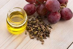 Make a DIY tanning oil with grapeseed oil. Full recipe on my website Oil Substitute, Best Cooking Oil, Cooking Tips, Essential Oils For Skin, Grape Seed Extract, Nutrition And Dietetics, Nutrition Classes, Nutrition Activities, Nutrition Guide
