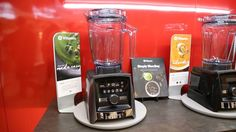 A pitcher of margaritas or a single-serve smoothie? New Vitamix blenders can tell the difference When Vitamix enables Bluetooth on the Ascent line, the blender will automatically send information about the size of the container to the Perfect Blend app. The app will then adjust recipes and ingredient amounts for that container and walk you through ...and more » #vitamixblendercontainer